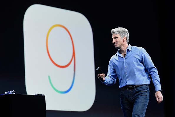 Craig Federighi unveil the iOS 9.